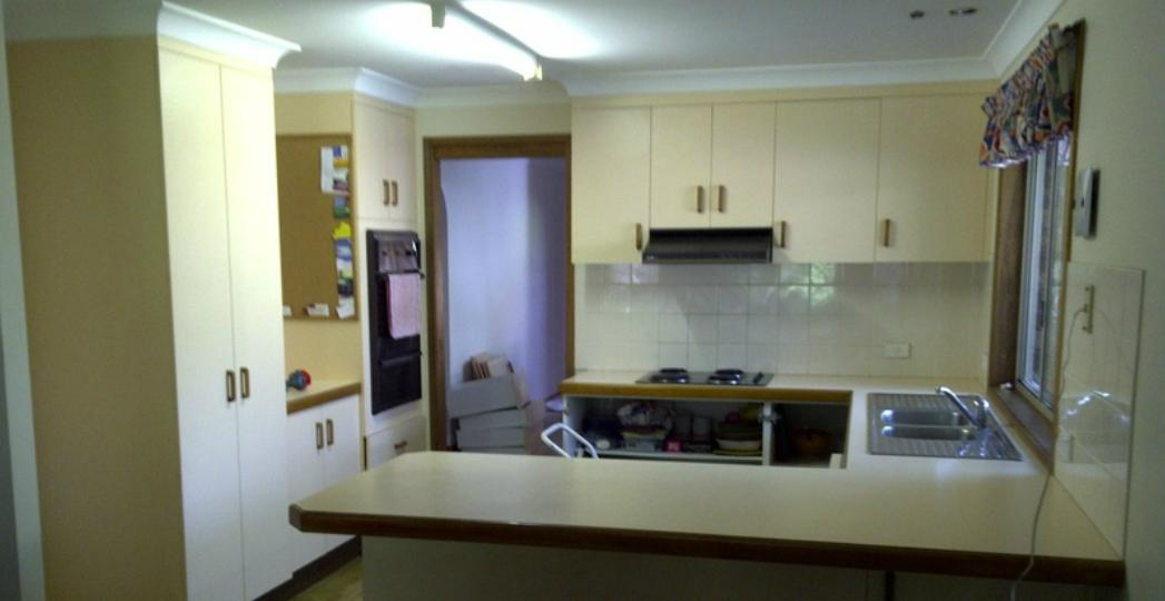 Kitchen Before Resurfacing (3)
