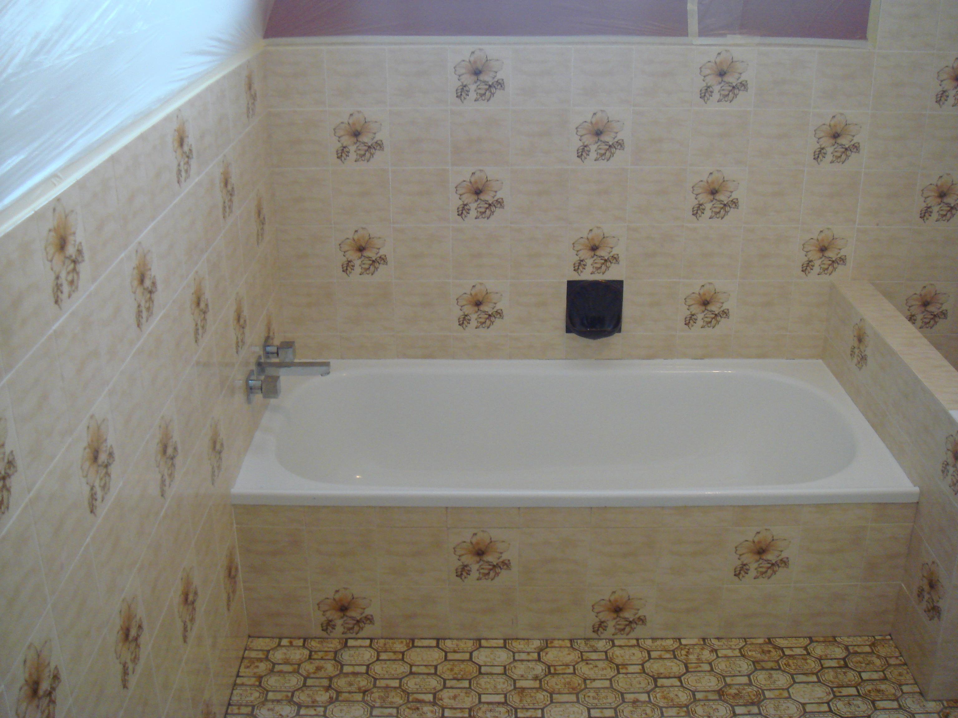 Gold Coast Bathroom Before Renew Kitchen And Bathroom Resurfacing