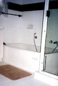 Bathroom Gold Coast after resurfacing