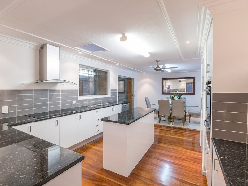 Budget Friendly Kitchen Makeover: Kitchen Renovations Gold Coast Guide To Budget-Friendly